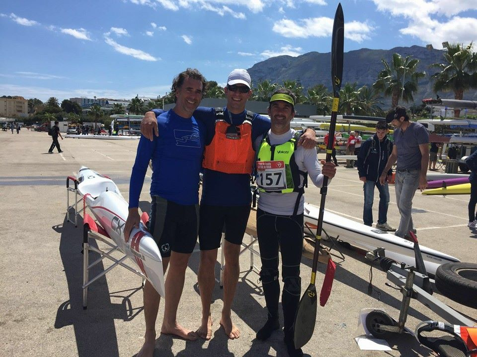 Equip surfski club de vela platja llarga